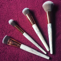 LILY ENGLAND – Makeup Brushes - 4 Piece Face Makeup Brush Set Marble and Rose Gold – PR