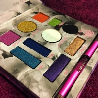 URBAN DECAY – UDXKL – KRISTEN LEANNE COLLABORATION – KALEIDOSCOPE EYESHADOW PALETTE