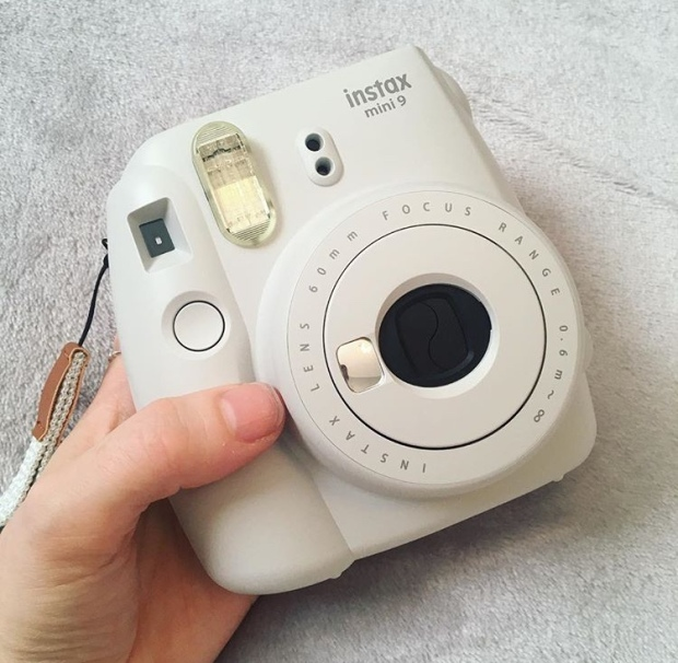 Instax Mini 9 Camera in Smokey White